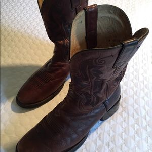 DOUBLE H BOOTS. LIKE NEW. SAVE.